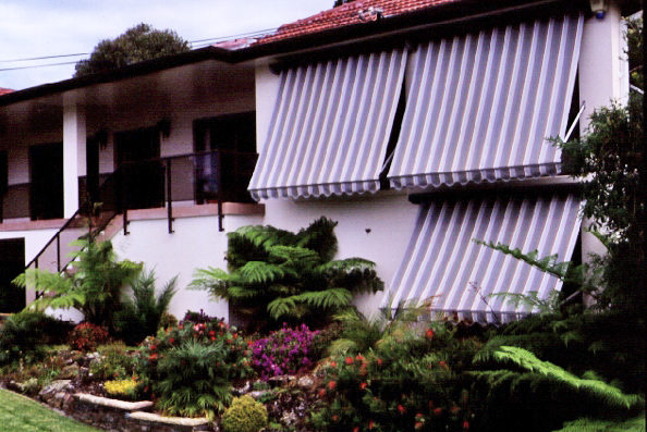 Pivot Arm Awnings 02